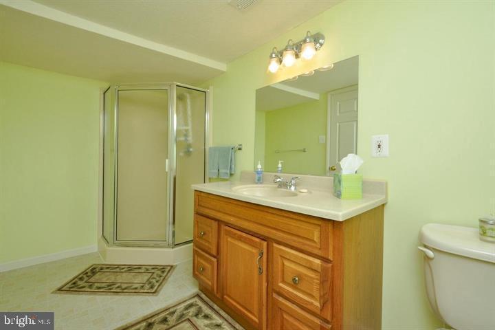 Downstairs full bath - 9325 WYNDHAM HILL LN, SPOTSYLVANIA