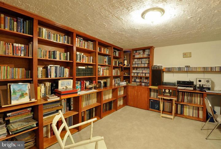 Library - 9325 WYNDHAM HILL LN, SPOTSYLVANIA