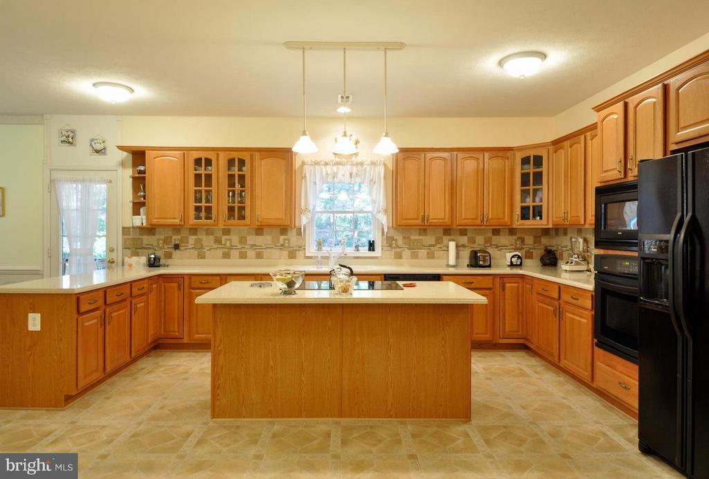 Kitchen - 9325 WYNDHAM HILL LN, SPOTSYLVANIA