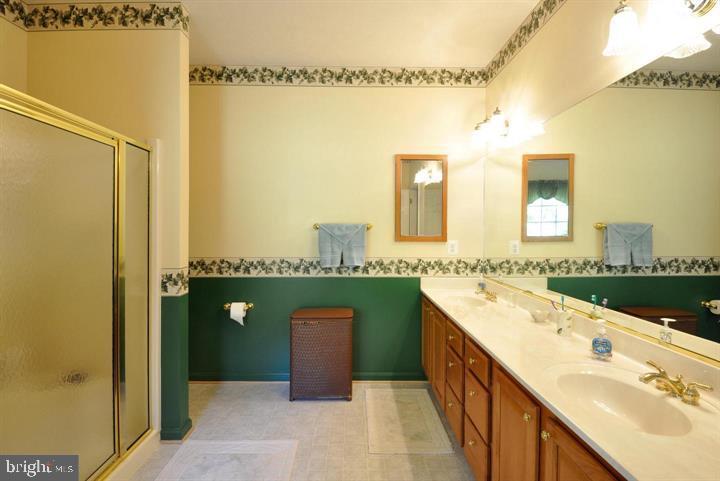 master bath - 9325 WYNDHAM HILL LN, SPOTSYLVANIA
