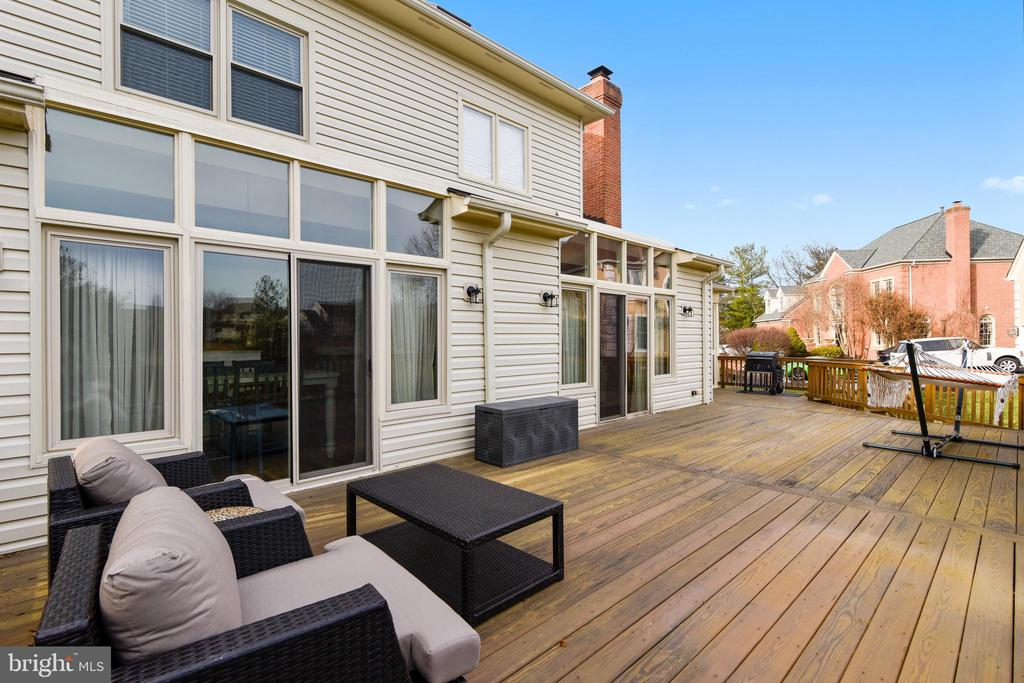 Deck - 43347 BUTTERFIELD CT, ASHBURN