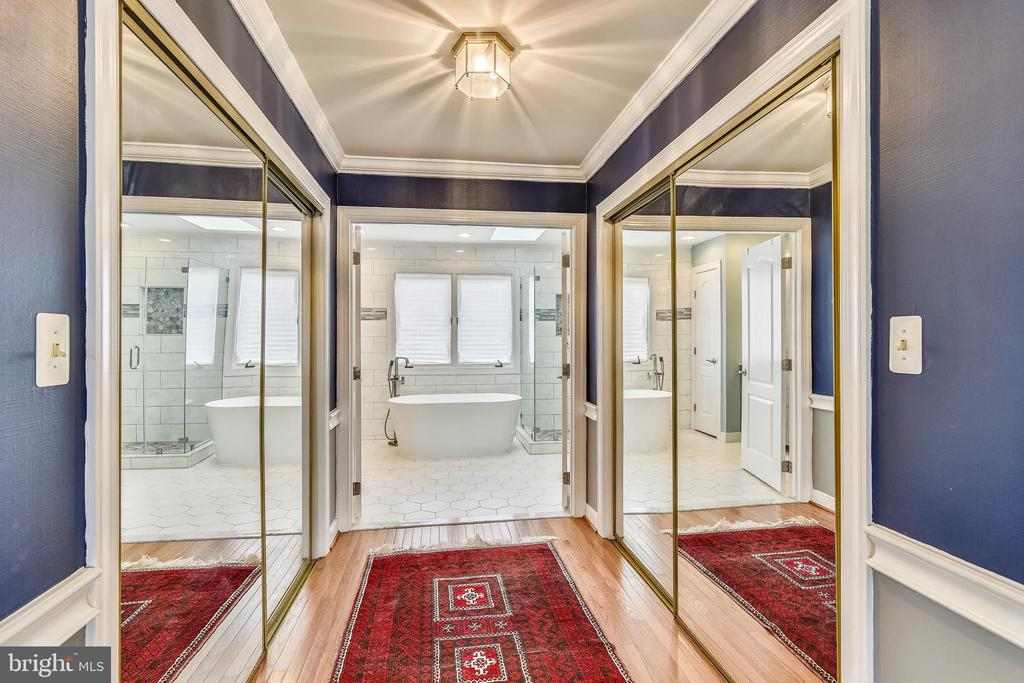Master Bathroom and Hall of Closets - 43347 BUTTERFIELD CT, ASHBURN