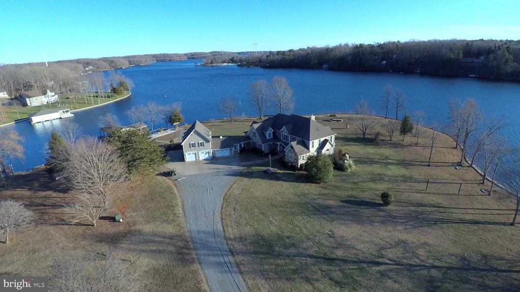 Expansive Lake Views! - 4401 SEAY POINT RD, MINERAL