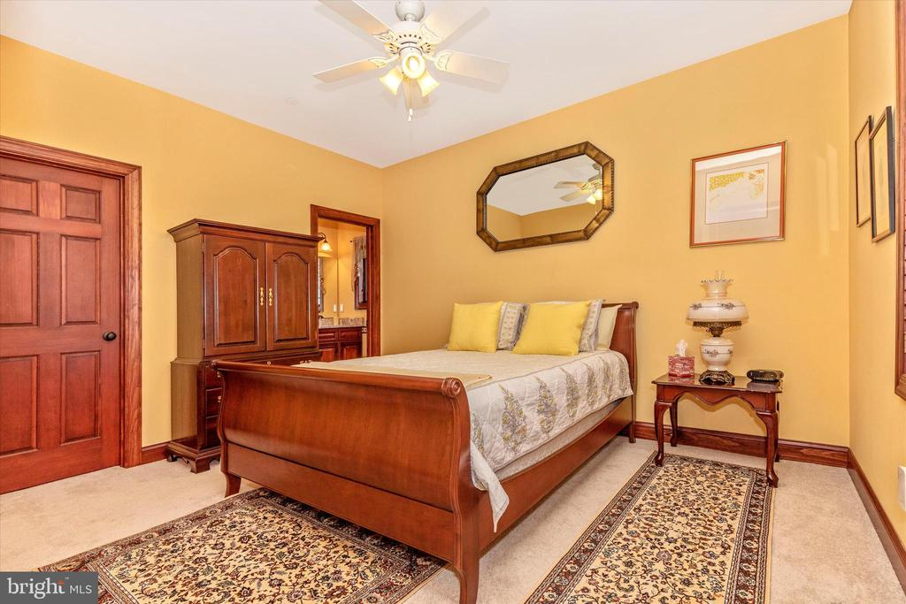 Second Bedroom Suite - 7235 WOODVILLE RD, MOUNT AIRY