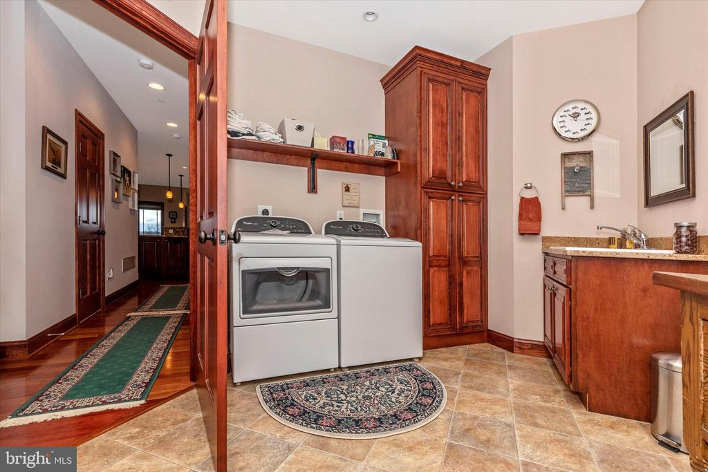 Main Level Laundry Room - 7235 WOODVILLE RD, MOUNT AIRY