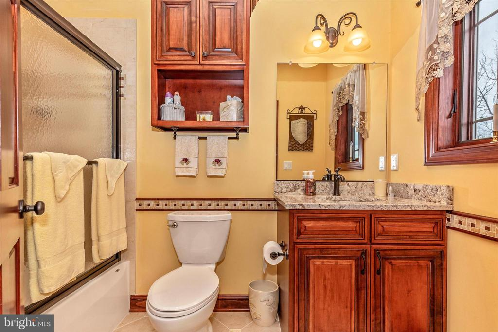 Second Bathroom - 7235 WOODVILLE RD, MOUNT AIRY