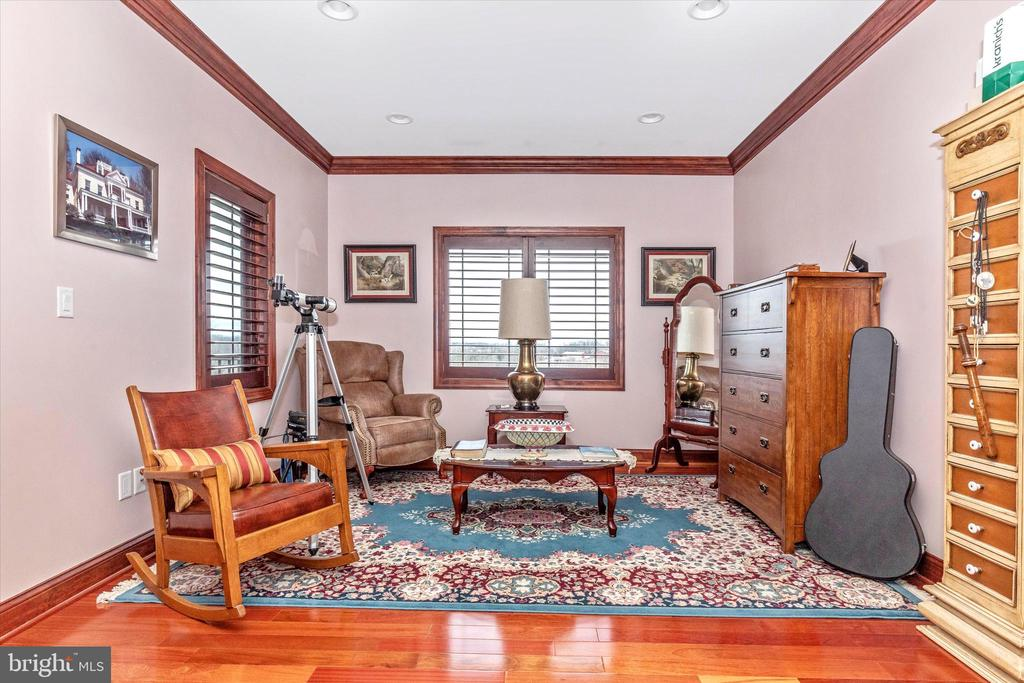 Sitting area of Master Bedroom Suite - 7235 WOODVILLE RD, MOUNT AIRY