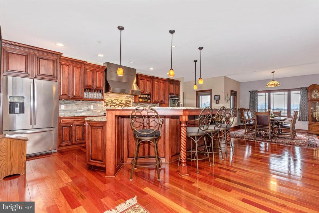 Gourmet kitchen - 7235 WOODVILLE RD, MOUNT AIRY