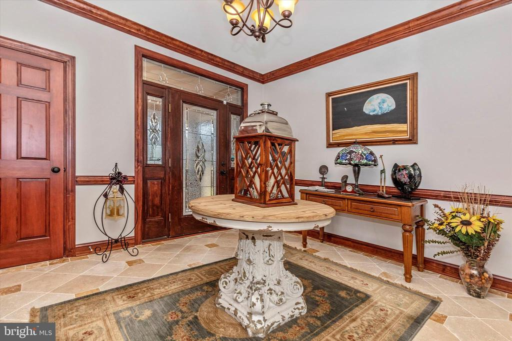 Foyer with travertine floors - 7235 WOODVILLE RD, MOUNT AIRY