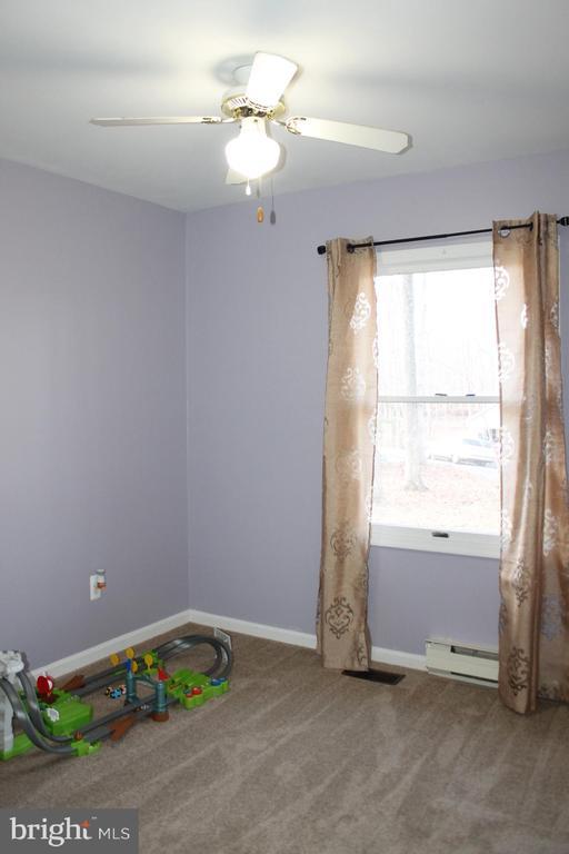 Bedroom one - 104 EDGEMONT LN, LOCUST GROVE