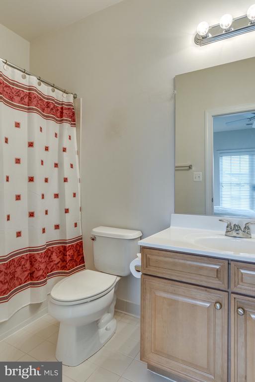 En Suite Bathroom for Bedroom #2 - 21431 FAIRHUNT DR, ASHBURN