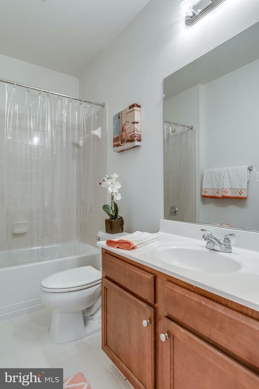 En Suite Bathroom for 6th Bedroom in Basement - 21431 FAIRHUNT DR, ASHBURN