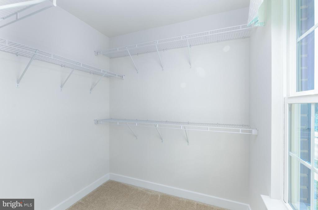 3rd bedroom's walk-in closet - 14311 BENTLEY PARK DR, BURTONSVILLE