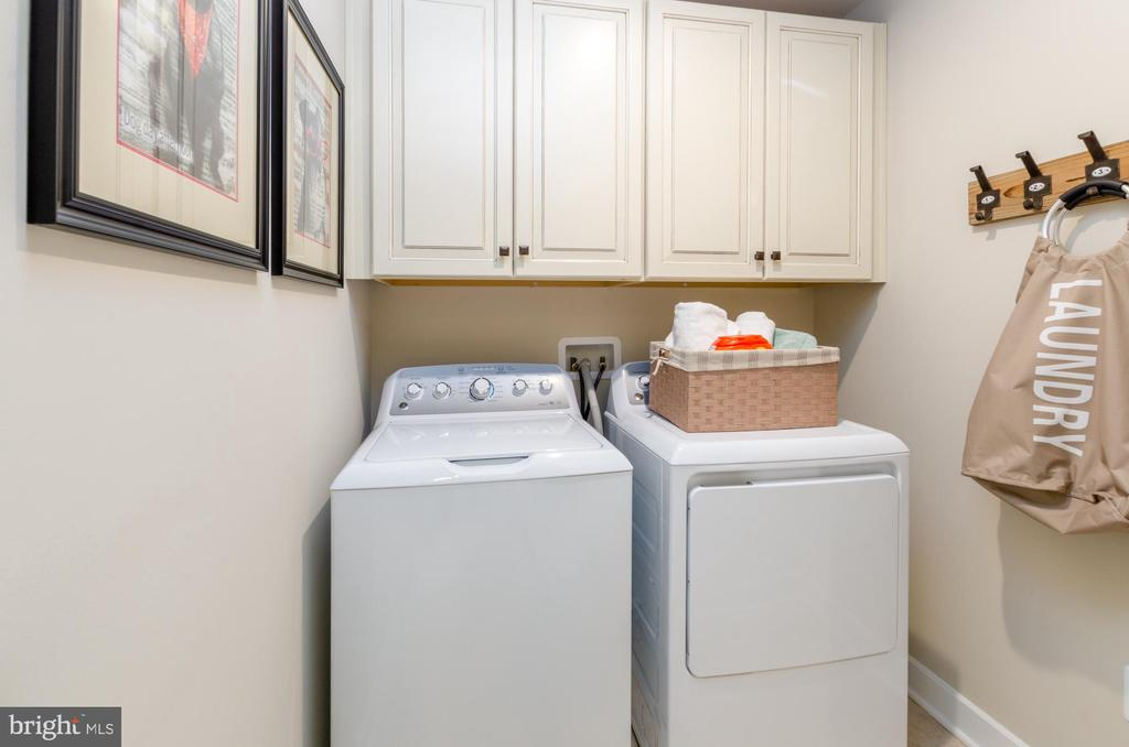 Laundry on upper floor - 14311 BENTLEY PARK DR, BURTONSVILLE