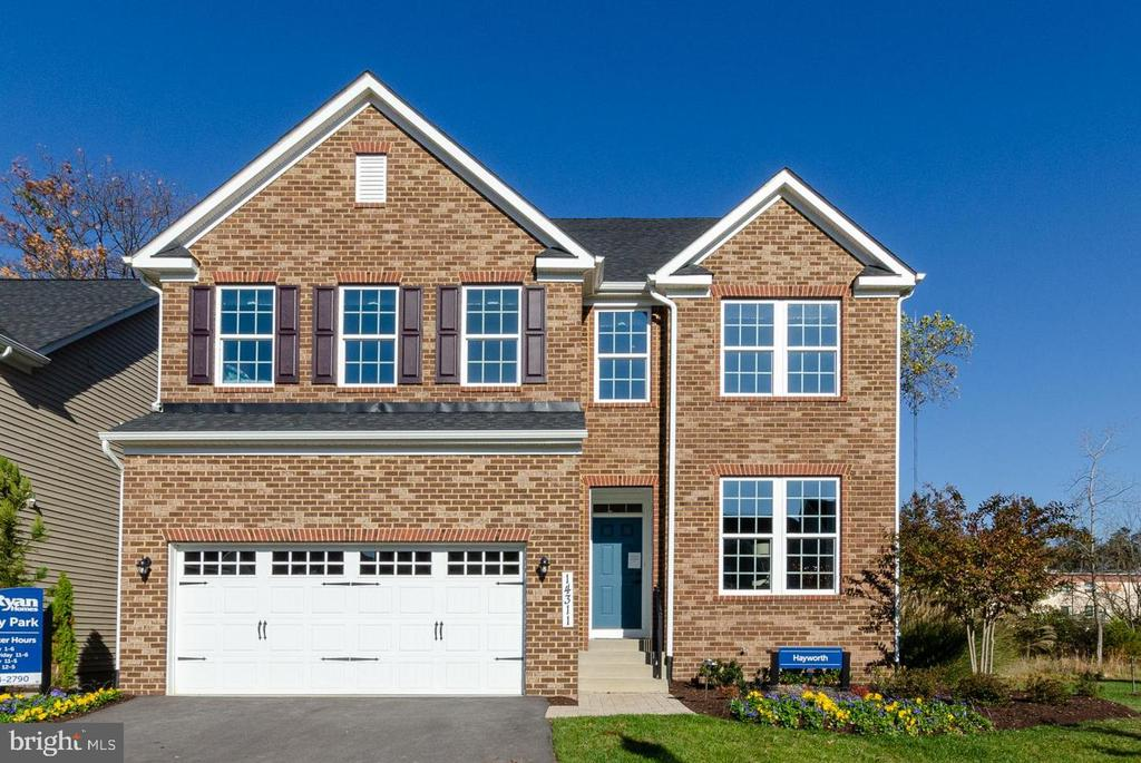 2 car garage with one door - no center pole! - 14311 BENTLEY PARK DR, BURTONSVILLE