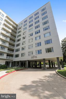 2475 VIRGINIA AVE NW #814