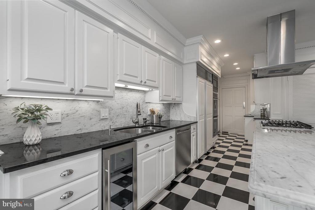 Kitchen - 1914 35TH ST NW, WASHINGTON