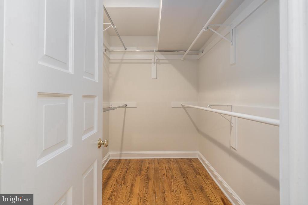 Walk-in closet - 1914 35TH ST NW, WASHINGTON