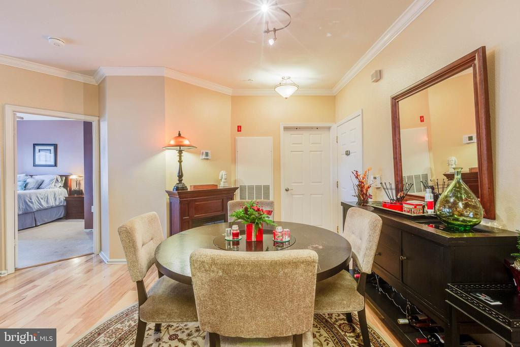 Wood floors in the main living area - 11750 OLD GEORGETOWN RD #2430, NORTH BETHESDA