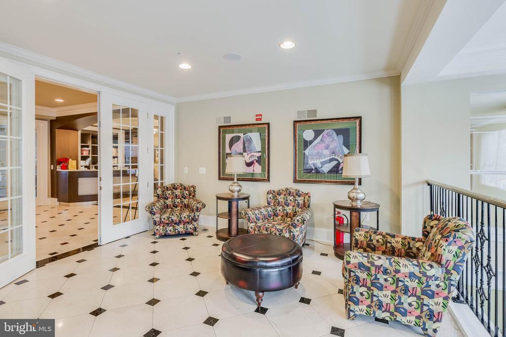 Common areas for entertaining - 11750 OLD GEORGETOWN RD #2430, NORTH BETHESDA