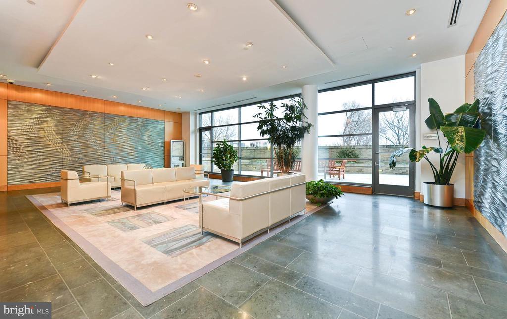 Lobby - 2001 15TH ST N #1008, ARLINGTON