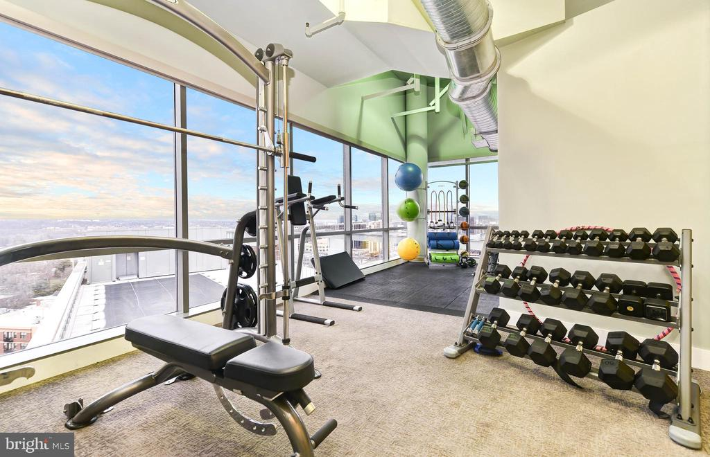 Fitness Center - 2001 15TH ST N #1008, ARLINGTON