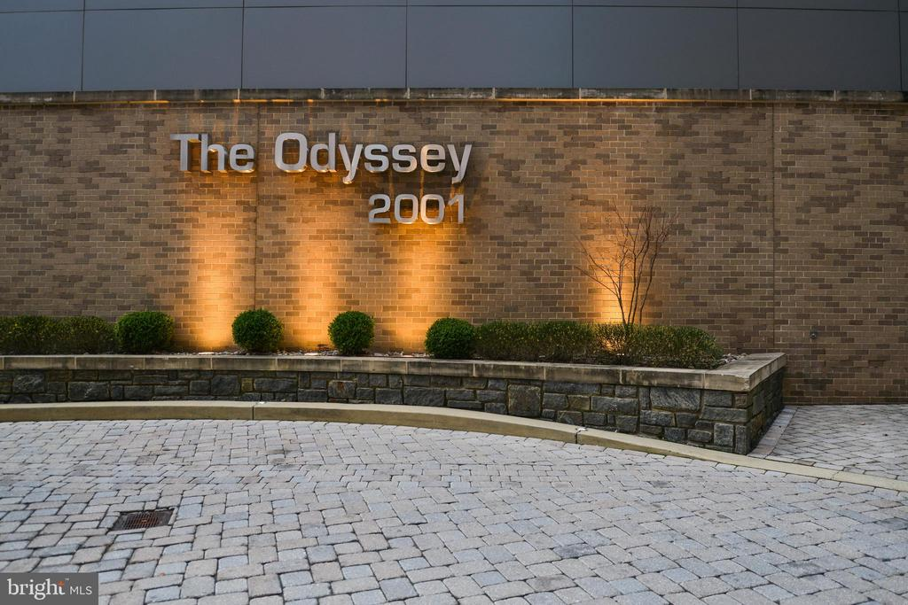 Main Entrance - 2001 15TH ST N #1008, ARLINGTON