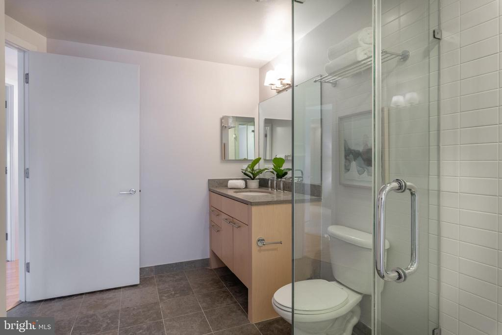 Bathroom 2 - 2001 15TH ST N #1008, ARLINGTON