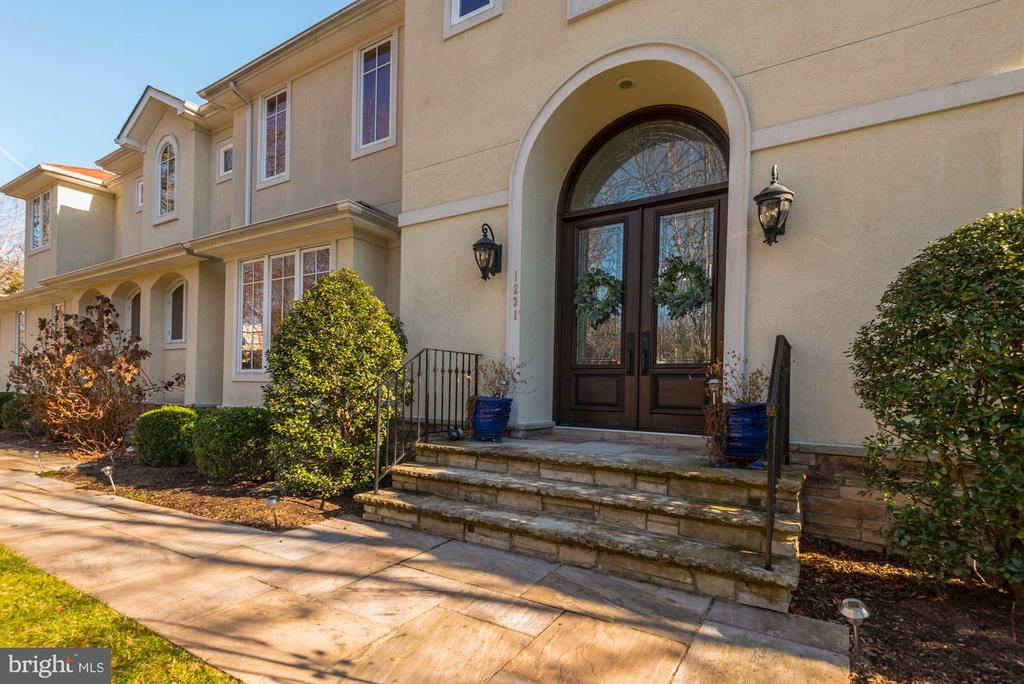 Welcome! - 1231 INGLESIDE AVE, MCLEAN