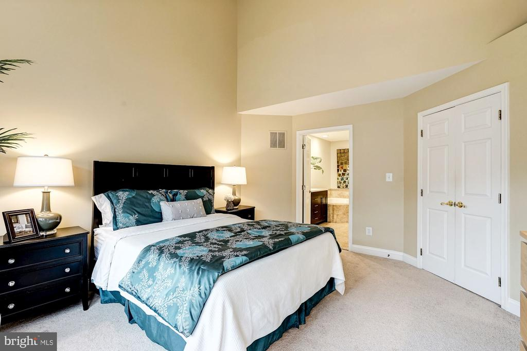Master bedroom - 2137 N PIERCE CT, ARLINGTON