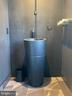 Main floor powder room - 18184 SHINNIECOCK HILLS PL, LEESBURG