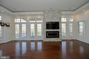 Tall windows &  transoms let in the light & views - 18184 SHINNIECOCK HILLS PL, LEESBURG