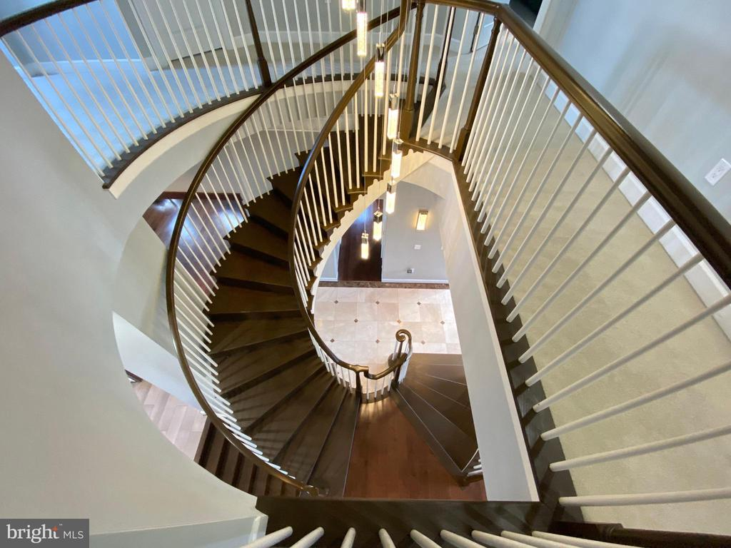 Staircase from above - 18184 SHINNIECOCK HILLS PL, LEESBURG