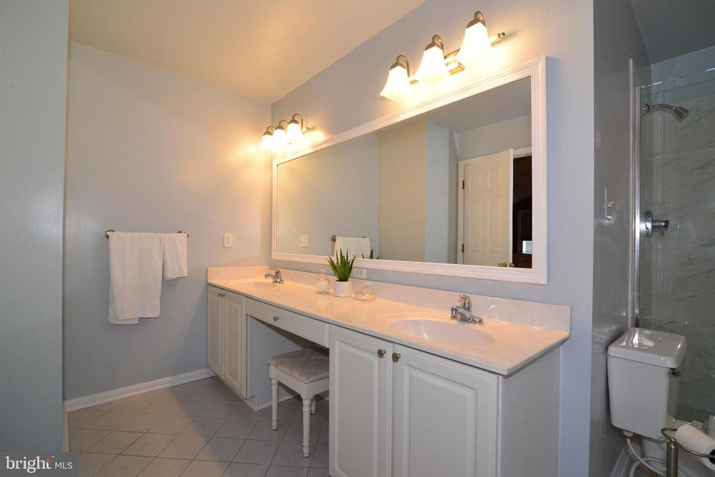 Master Bath. - 47408 GALLION FOREST CT, STERLING