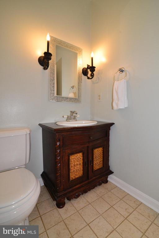 Main Level Powder Room. - 47408 GALLION FOREST CT, STERLING
