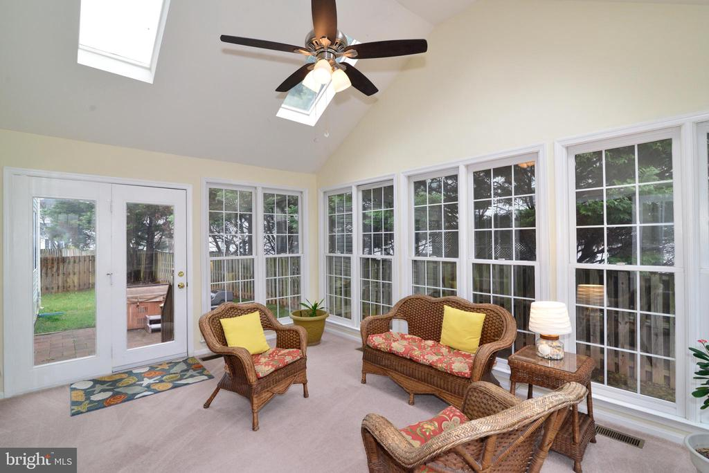 Very Bright Sunroom. - 47408 GALLION FOREST CT, STERLING