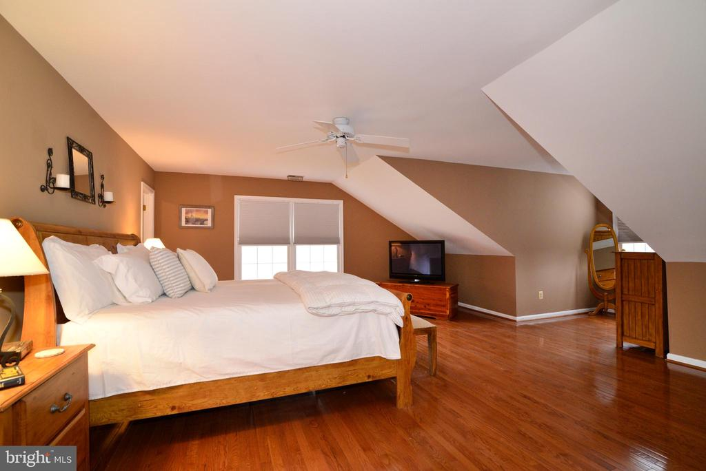 Master Bedroom. - 47408 GALLION FOREST CT, STERLING