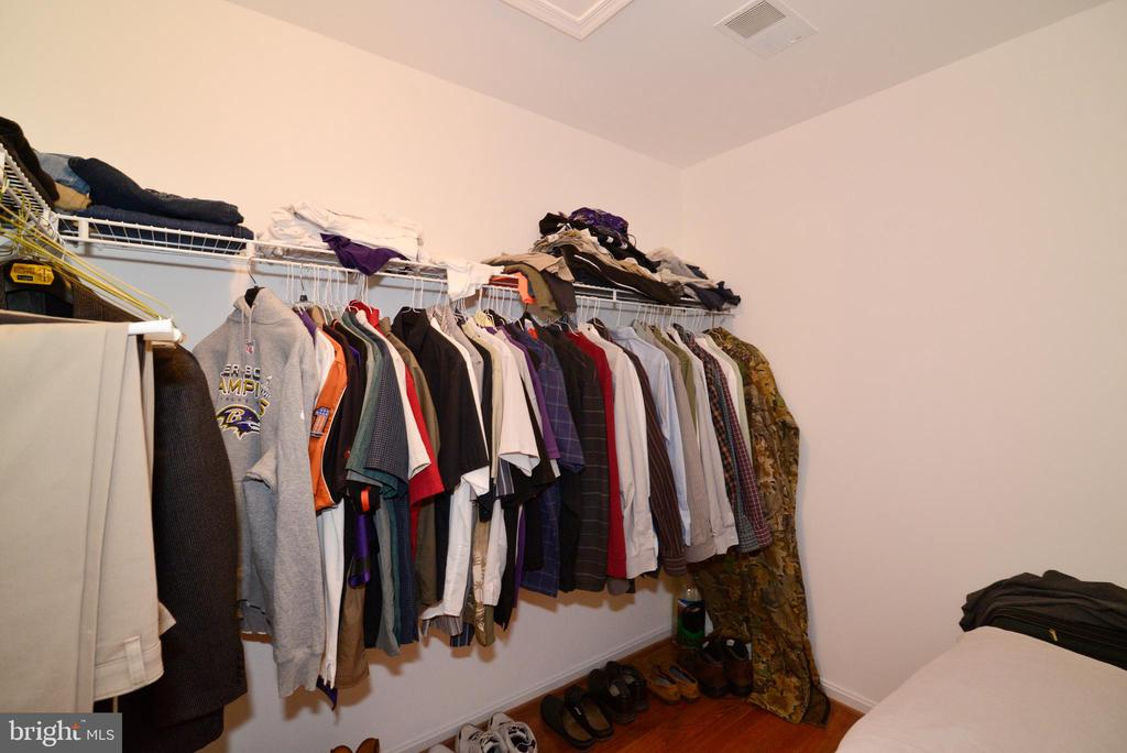 Closet. - 47408 GALLION FOREST CT, STERLING