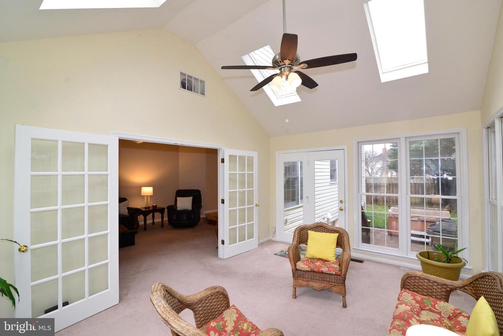 View of Family Room from Sunroom. - 47408 GALLION FOREST CT, STERLING