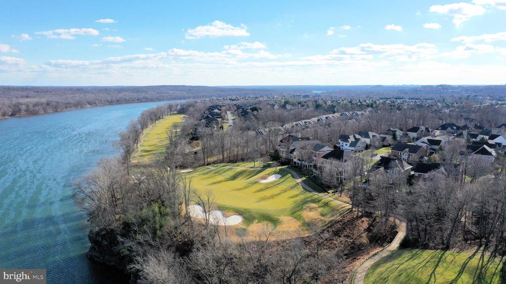 Resort style living on the River and golf course! - 18184 SHINNIECOCK HILLS PL, LEESBURG