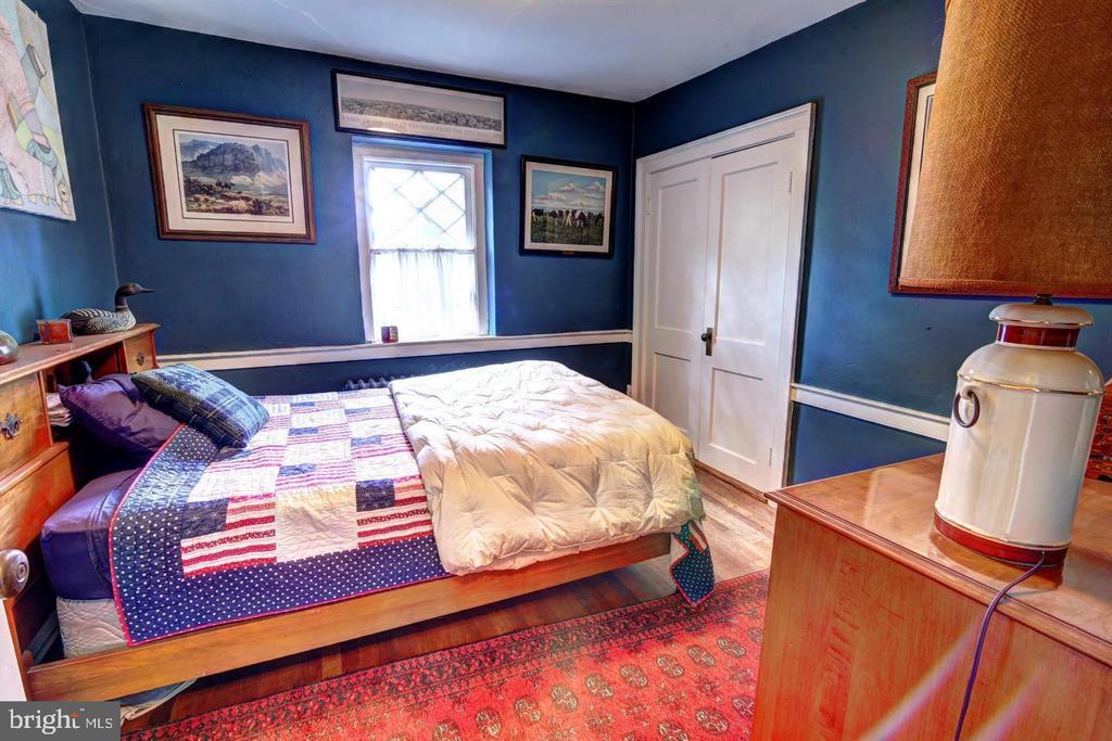 UL bedroom 1 - 16960 IVANDALE RD, HAMILTON