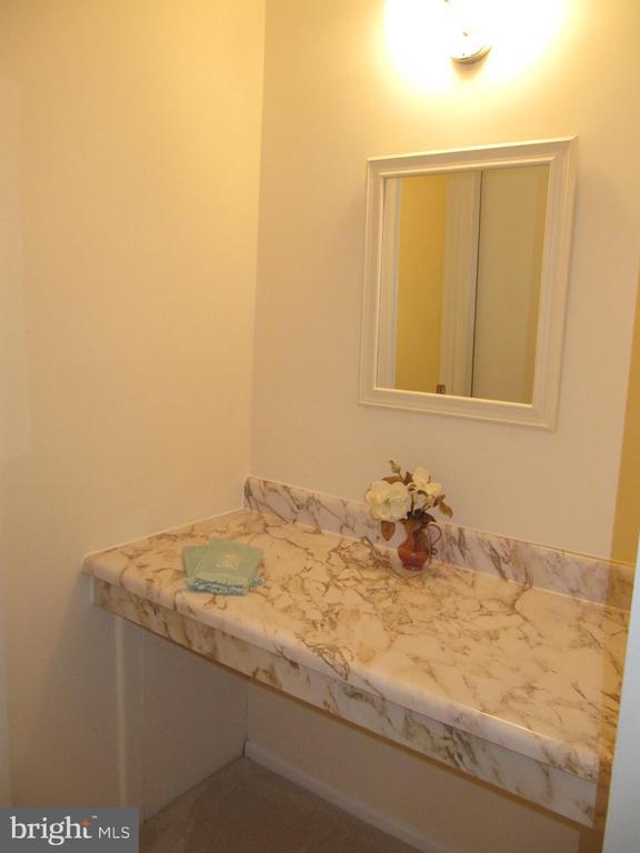 Vanity Area for Master Bedroom - 8396 UXBRIDGE CT, SPRINGFIELD