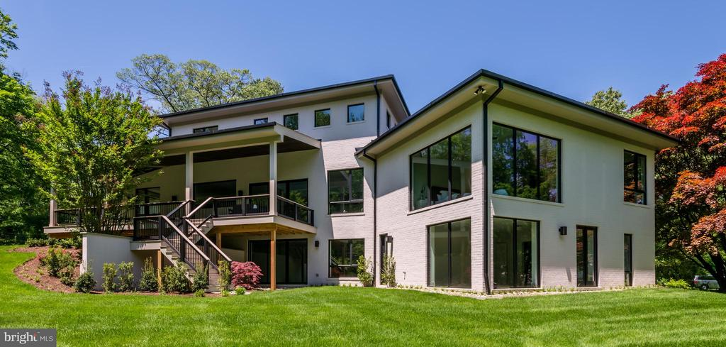 - 6333 OLD CHESTERBROOK RD, MCLEAN