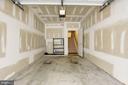 Garage - 42439 ROCKROSE SQ, BRAMBLETON