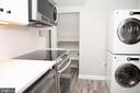 new gourmet kitchen with pantry - 2804 S ABINGDON ST #B, ARLINGTON