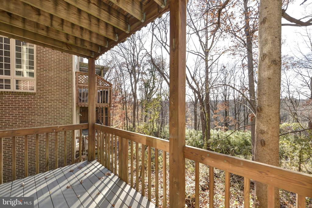 Lower level deck - 5818 MADAKET RD, BETHESDA
