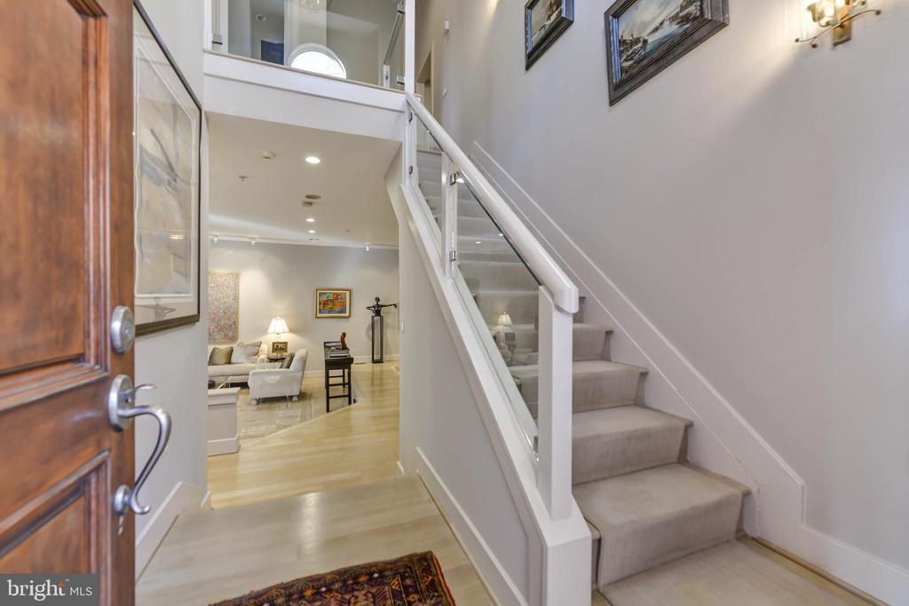 Foyer - 5818 MADAKET RD, BETHESDA