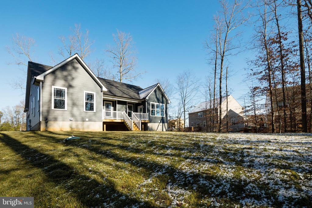 LARGE REAR YARD! - 466 COURTHOUSE RD, STAFFORD