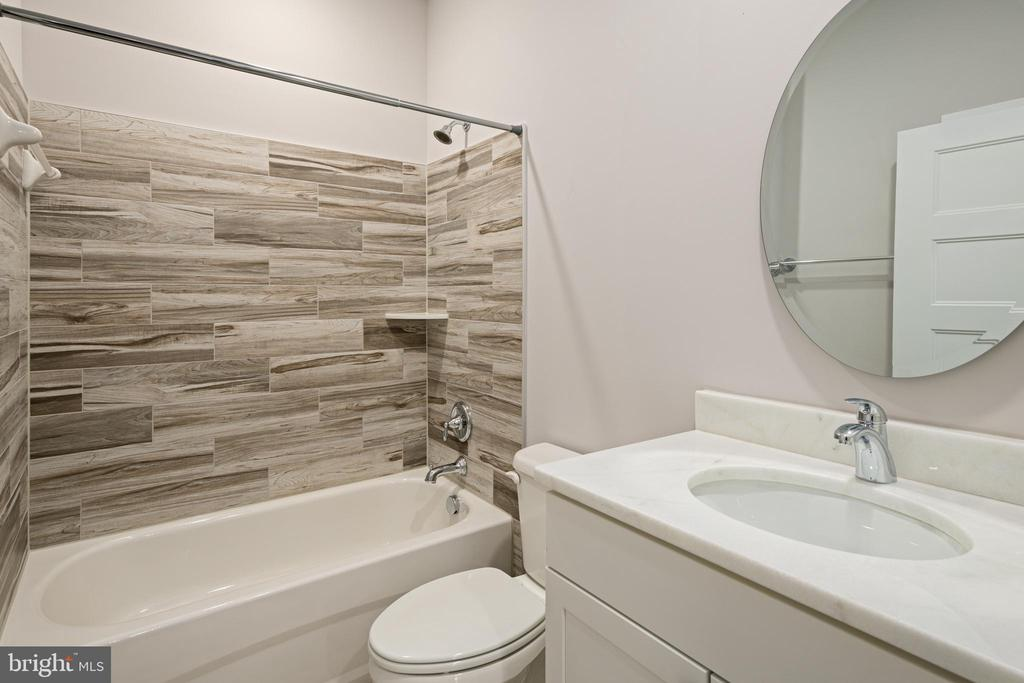FULL BATHROOM #2 - 466 COURTHOUSE RD, STAFFORD