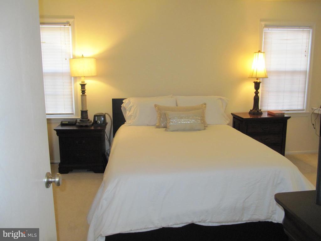 Back Master Bedroom Furnished - 8396 UXBRIDGE CT, SPRINGFIELD